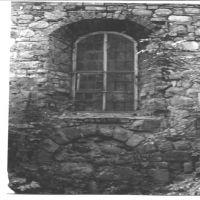 Kirche-ehem.-Fenster--Portal-sw